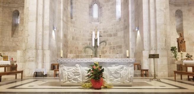 The altar in the Church of Saint Anne.